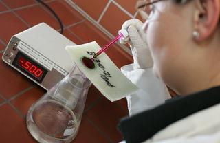 Prüfung der Wasser-Dichtheit an Schlauchliner