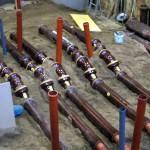 Teststecken aus Steinzeug-Kanalrohren in Versuchsstand