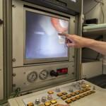 """Warentest """"Sanierung von Hausanschluss-Stutzen"""": Roboter verpresst Stutzen"""