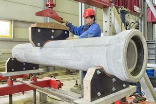 Ermittlung der Längsbiegefestigkeit an Rohren DN300