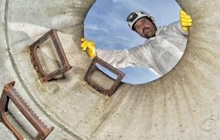 Das IKT prüft vor Ort die Qualität von Schacht-Sanierungen.