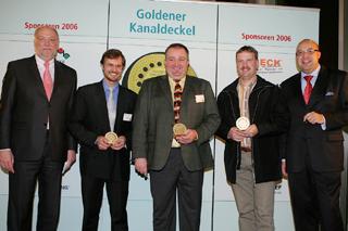 von links: Staatssekretär Dr. Alexander Schink (NRW-Umweltministerium), Ludger Albers, Achim Rehm, Udo Gerling, Roland W. Waniek (IKT)