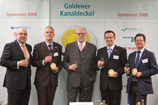 von links: Roland W. Waniek (IKT), Rainer Hein, Staatssekretär Dr. Alexander Schink (NRW-Umweltministerium), Heiko Althoff, Peter Lubenau