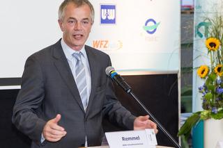 NRW-Umweltminister Remmel am Rednerpult