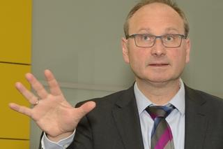 Moderator Marco Schlüter (IKT) zog eine positive Bilanz des OWL-Kanalbetriebstags.