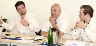 Sissis Kamarianakis, Roland W. Waniek, Stefan Bretz