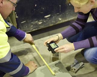 Hammerwerfen: Prüfung einer Schachtbodenbeschichtung