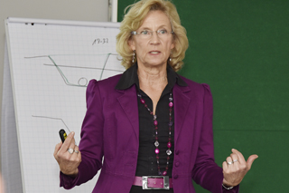 Amely Dyrbusch während ihres Vortrags