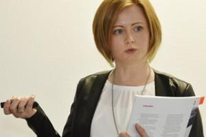 Teilnehmerin während ihres Vortrags