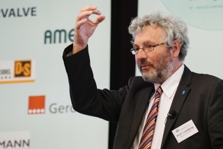Prof. Jörg Londong während seines Vortrags