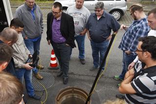 Teilnehmer am Kanal, mit Schachtzoomkamera
