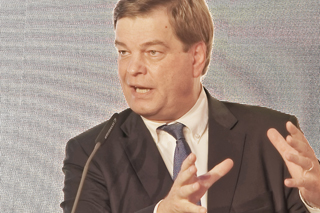 Enak Ferlemann während seines Vortrags beim WELT-Infrastrukturgipfel