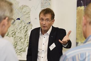 Reinhard Beck präsentiert Risikokarte