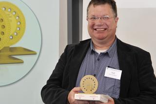 Arjo Hof mit dem Goldenen Kanaldeckel 2017