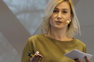 Jana Hollmann während ihres Vortrags