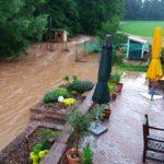 Hilfe im Starkregen-Chaos: KomNetABWASSER koordiniert inter-kommunale Unterstützung!