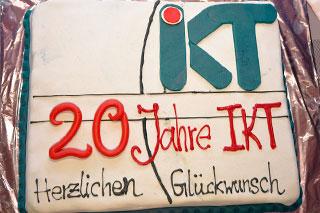 Die Torte zu Roland Wanieks 20jährigem Dienstjubiläum