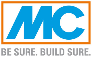 Firmenlogo mit blauen Buchstaben auf weißem Hintergrund mit orangefarbenem Rahmen