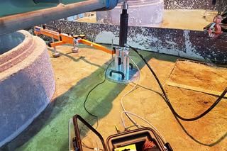 Plattendruckversuch an Flüssigboden (ZFSV) in Versuchsstand